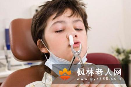 老年人患鼻炎危害大 该怎么治疗